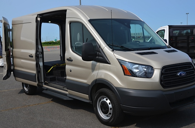 087b72c1898723 Car Review  2015 Ford Transit Family - The Future Of Full-Sized Vans ...