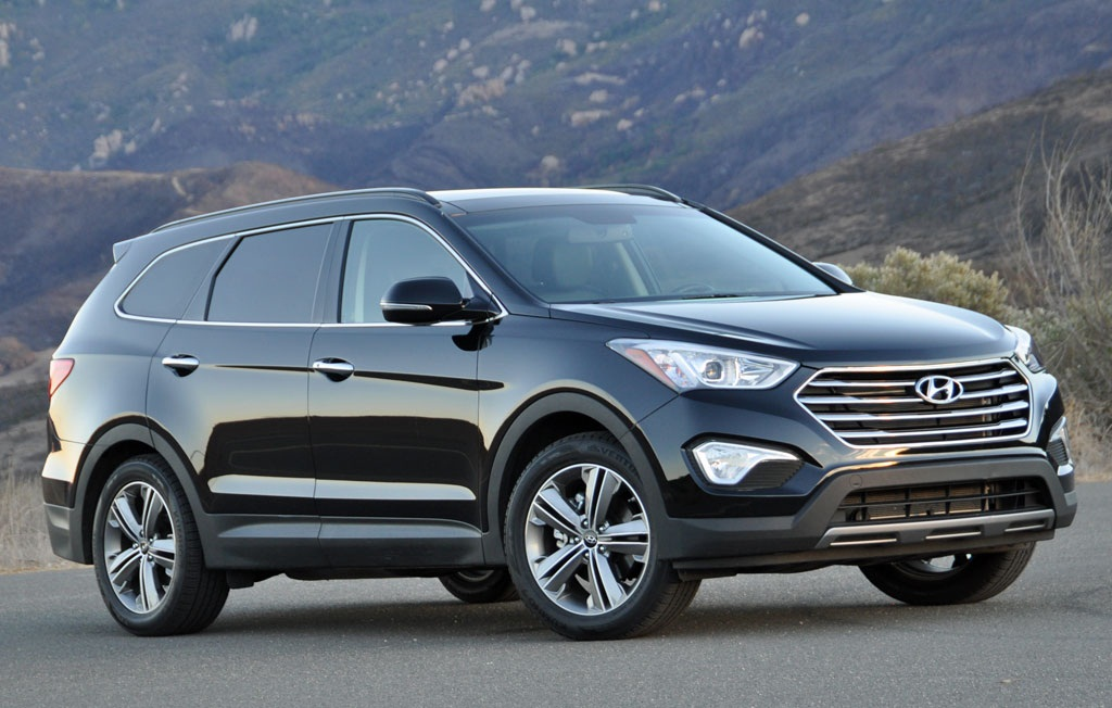 heels on wheels 2014 hyundai santa fe review. Black Bedroom Furniture Sets. Home Design Ideas