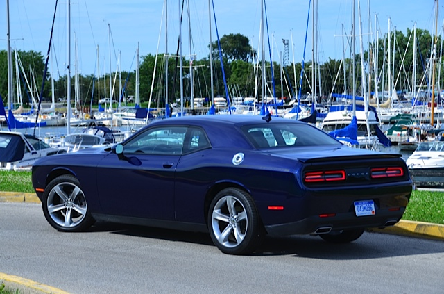 2015 Dodge Challenger Sxt Review By Larry Nutson The Auto Channel