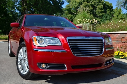 2014 Chrysler 300 Review By Larry Nutson