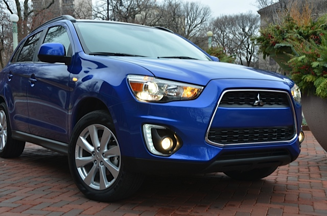 2015 mitsubishi outlander sport windy city review by larry nutson. Black Bedroom Furniture Sets. Home Design Ideas