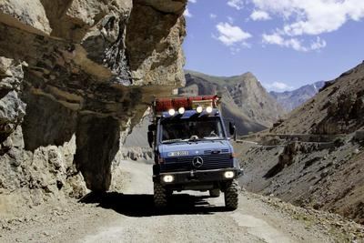 Mercedes Benz Unimog Off Road Award Is Cross Country Vehicle Of The Year 2017