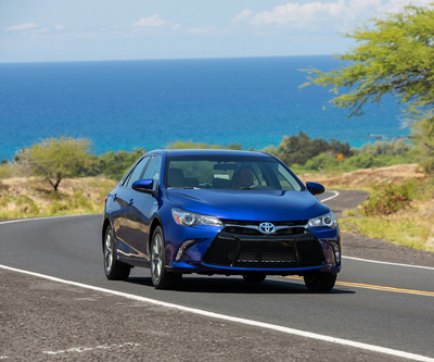 2015 toyota camry hybrid se review by carey russ video. Black Bedroom Furniture Sets. Home Design Ideas