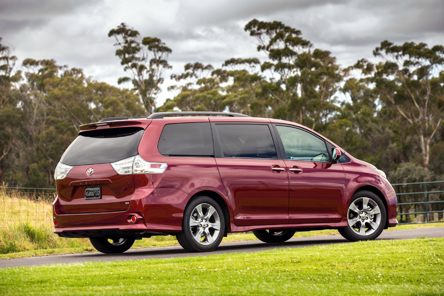 2015 toyota sienna se premium review by carey russ video. Black Bedroom Furniture Sets. Home Design Ideas