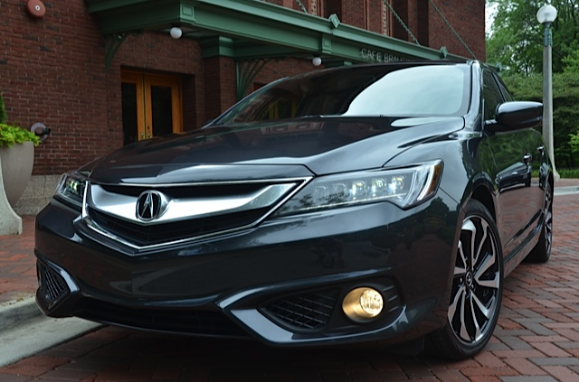 Acura ILX Review By Larry Nutson VIDEO - Acura ilx fog lights