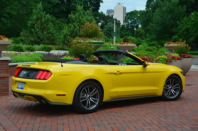 2015 ford mustang convertible reviewlarry nutson +video