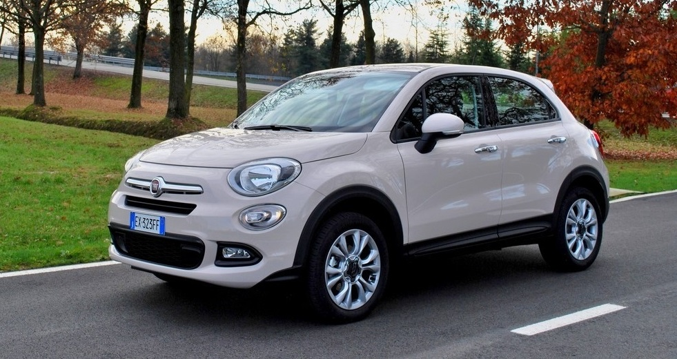 2016 fiat 500x lounge review by john heilig video. Black Bedroom Furniture Sets. Home Design Ideas
