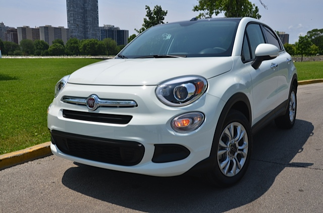 2016 fiat 500x easy awd crossover review by larry nutson video. Black Bedroom Furniture Sets. Home Design Ideas