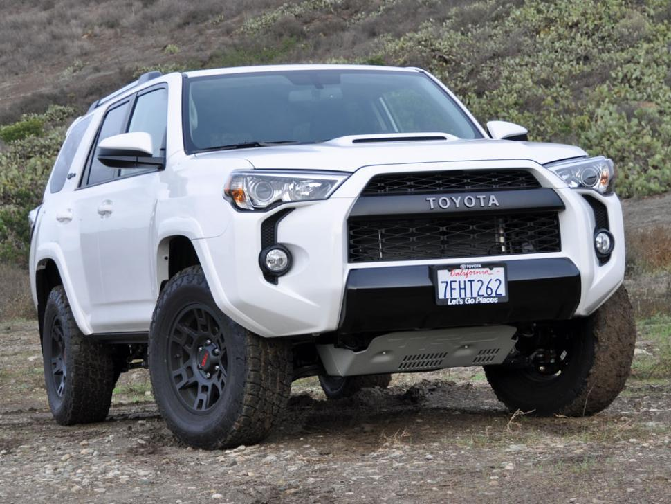 HEELS ON WHEELS: 2015 TOYOTA 4RUNNER REVIEW
