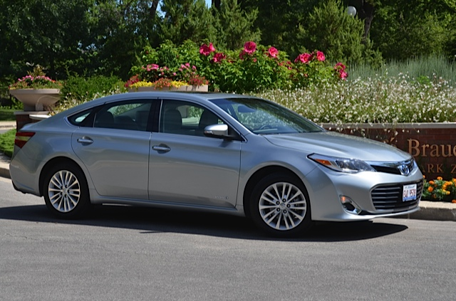2015 2016 toyota avalon review by larry nutson. Black Bedroom Furniture Sets. Home Design Ideas