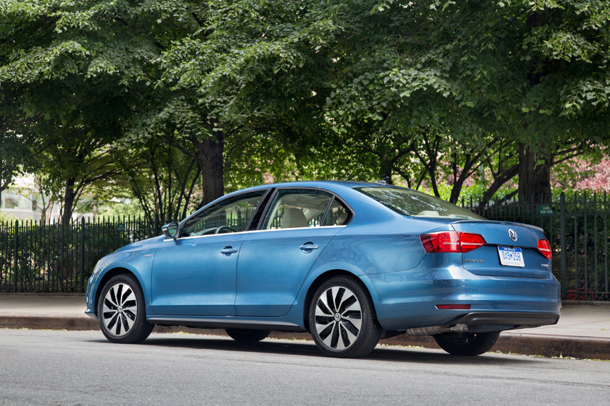 2015 volkswagen jetta hybrid sel premium review by carey russ video. Black Bedroom Furniture Sets. Home Design Ideas