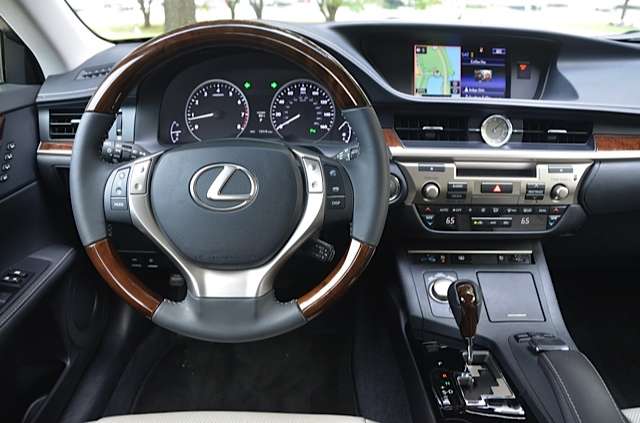 2015 2016 Lexus Es 350 Review By Larry Nutson Video