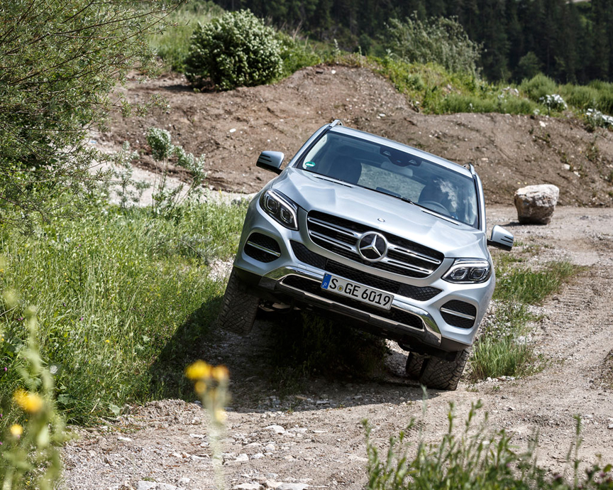 First drive review 2016 mercedes benz gle 450 4matic by for Mercedes benz gle 450 4matic