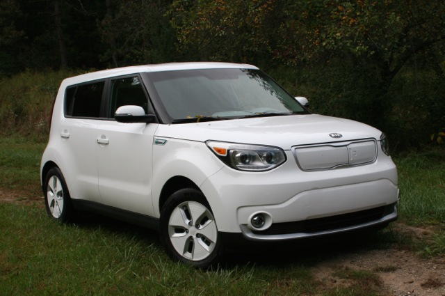 2015 kia soul ev review by steve purdy video. Black Bedroom Furniture Sets. Home Design Ideas
