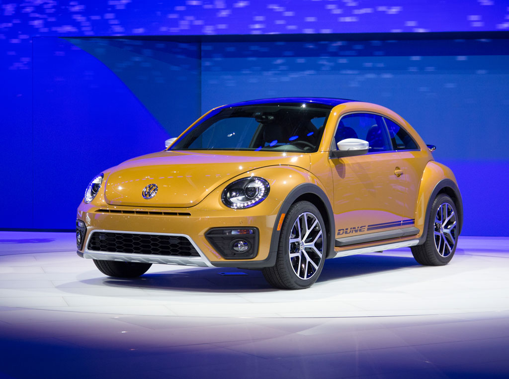 Volkswagen Beetle Convertible >> First Look - 2016 Volkswagen Beetle Dune +VIDEO