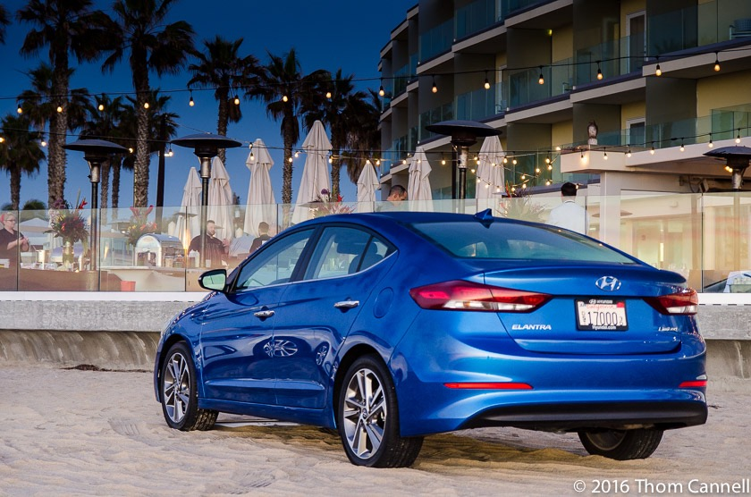 2017 hyundai elantra review by thom cannell. Black Bedroom Furniture Sets. Home Design Ideas
