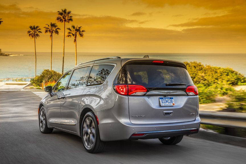 Photo Select To View Enlarged 2017 Chrysler Pacifica