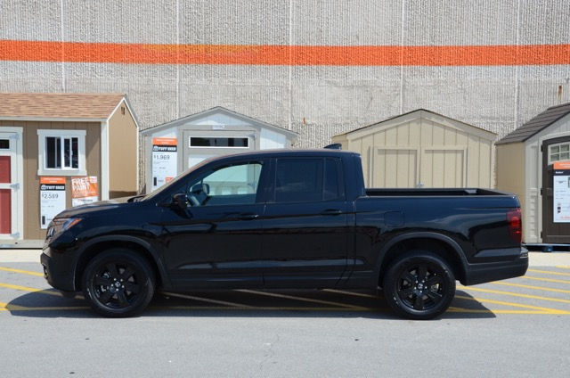 2017 honda ridgeline designed for every day a review by larry nutson. Black Bedroom Furniture Sets. Home Design Ideas
