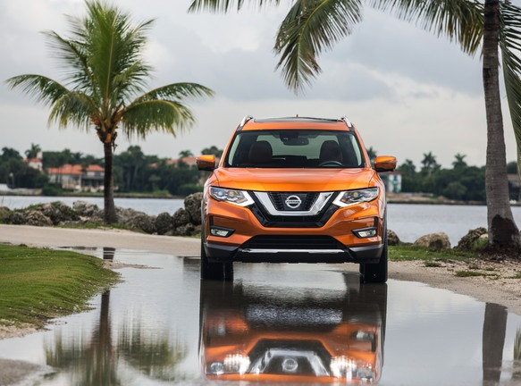 2017 NIssan Rogue Overview Plus Head to Head Versus 2016 ...