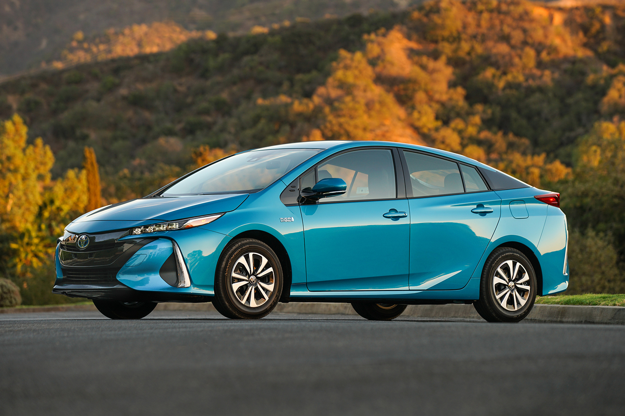 2017 toyota prius prime preview by steve purdy. Black Bedroom Furniture Sets. Home Design Ideas