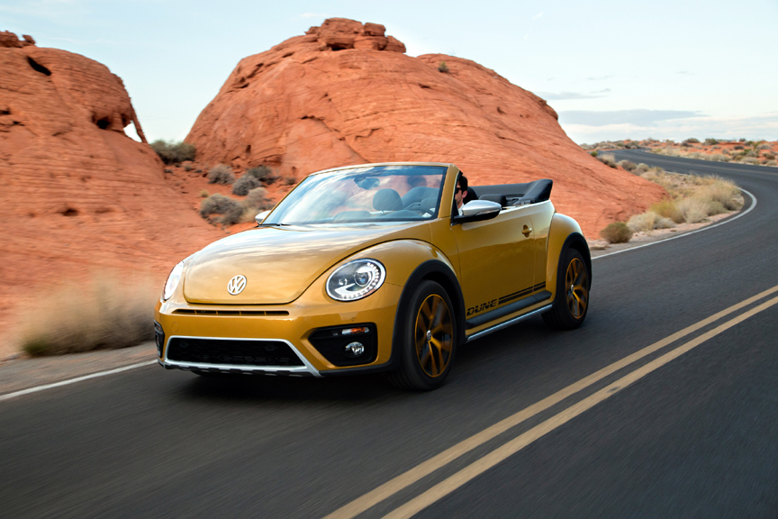 2017 volkswagen beetle convertible 1 8t dune review by carey russ video. Black Bedroom Furniture Sets. Home Design Ideas