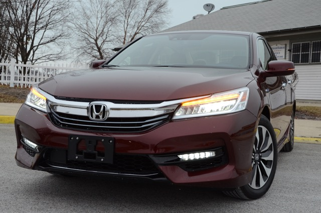 car review 2017 honda accord hybrid review by larry nutson. Black Bedroom Furniture Sets. Home Design Ideas
