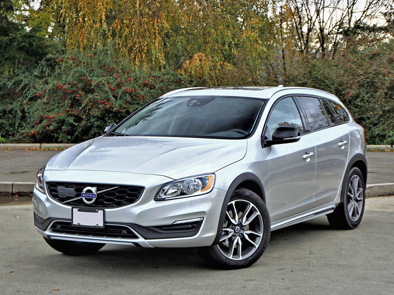 2017 volvo v60 awd cross country review by steve purdy. Black Bedroom Furniture Sets. Home Design Ideas