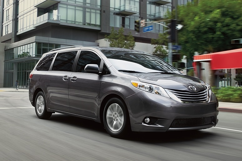 2017 toyota sienna xle awd review by steve purdy. Black Bedroom Furniture Sets. Home Design Ideas