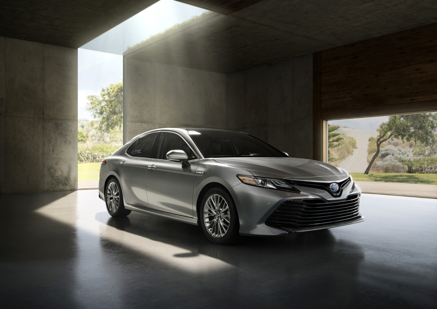 toyota earns a total of eleven 2018 iihs awards. Black Bedroom Furniture Sets. Home Design Ideas
