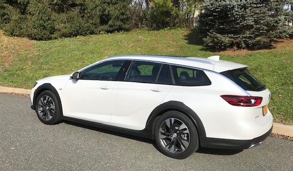 2018 Buick Regal TourX Essence AWD Review By John Heilig