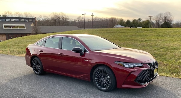 2020 toyota avalon hybrid xse review by john helig 2020 toyota avalon hybrid xse review by
