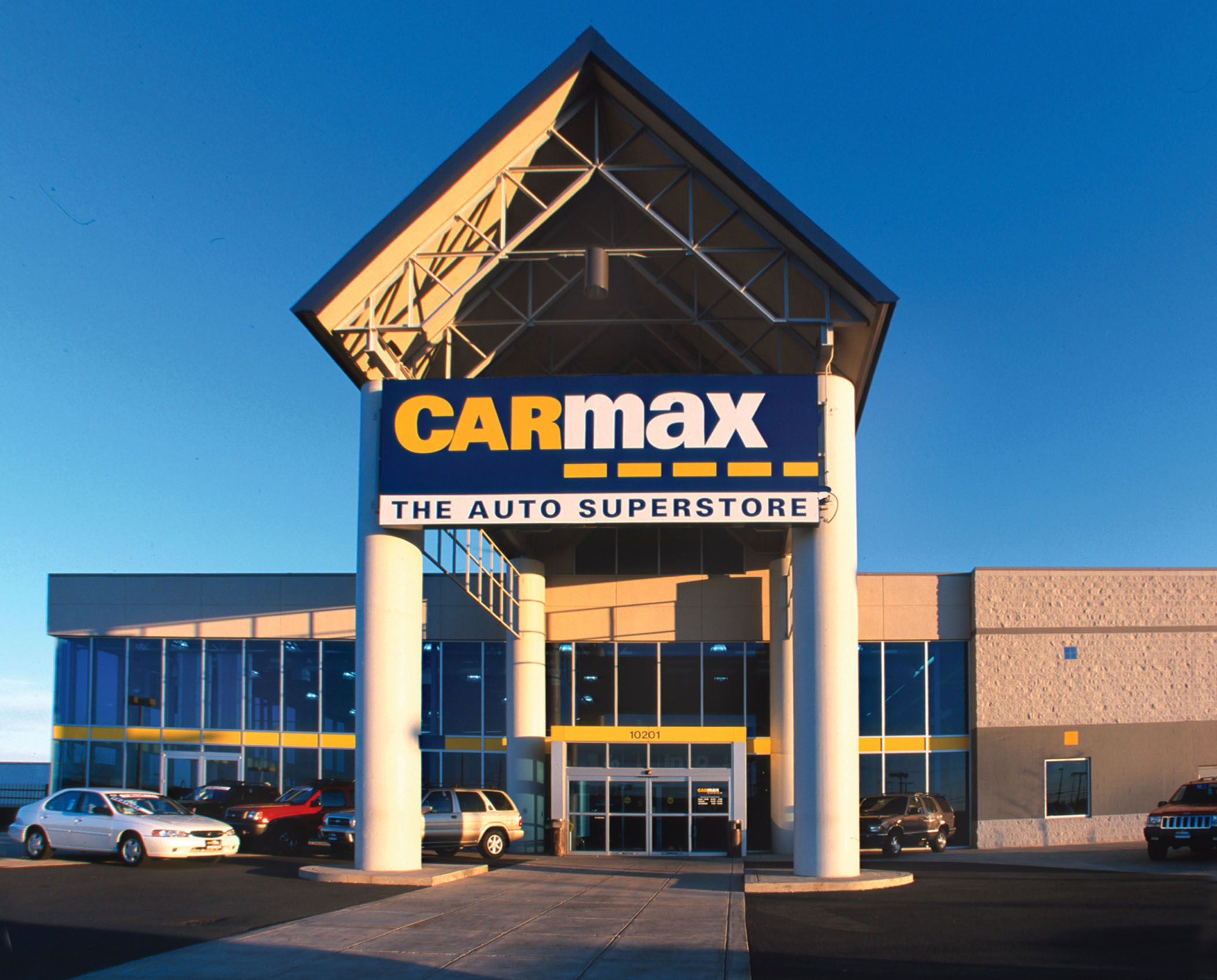 Carmax Buys 50 Million Worth Of Edmunds Sets Benchmark For Auto Content Site Valuation