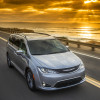 HEELS ON WHEELS: 2017 CHRYSLER PACIFICA REVIEW