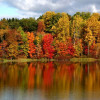 ROAD TRIP: Top 10 Canadian Boating Destinations to Soak Up the Fall Colours