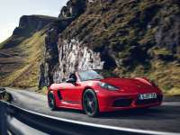 New Porsche 718 T Delivers Maximum Driving Pleasure