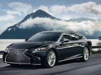 2019 Lexus LS 500 Vs. 2019 Toyota Avalon by Andrew Frankl