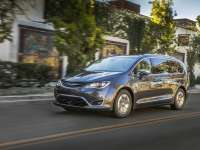FCA US LLC announces pricing on Chrysler Pacifica, Pacifica Hybrid and Dodge Grand Caravan 35th Anniversary Edition Models