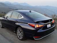 2019 Lexus ES 300h Luxury Review by David Colman - It's E15 Approved