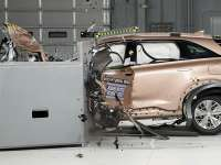 Hyundai's Fuel Cell Vehicle Earns IIHS Top Safety + Award