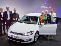 Volkswagen Delivers 100,000th e-Golf