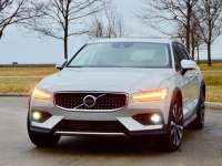 2020 Volvo V60 Cross Country Larry Nutson Chicagoland Review