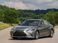 2020 Lexus ES 300h Hybrid Review by Mark Fulmer