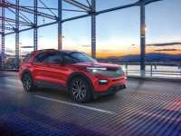 Ford Explorer Adds Enthusiast ST, Rear-Wheel-Drive Platinum, Platinum Hybrid Models for 2021