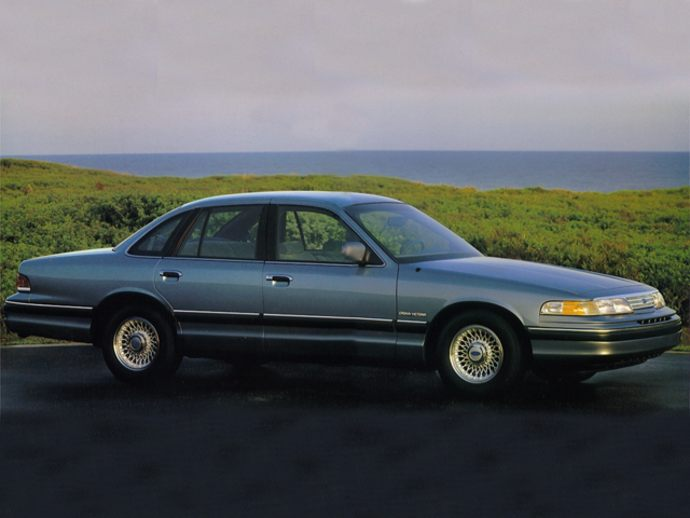 Ford Crown Victoria (1995)